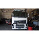 Damaged VOLVO FH 2007 tractor u