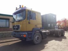 1996 MAN 33.403 chassis truck