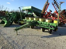 JOHN DEERE 7200 mechanical seed