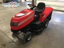 MOTEC lawn tractor by auction