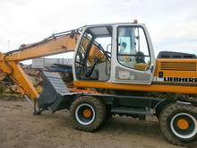 2004 LIEBHERR A900C, excavator