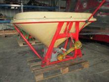 VICON 1500 manure spreader