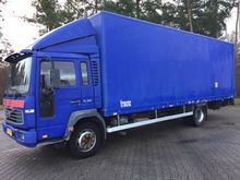 2000 VOLVO FL612 220 closed box