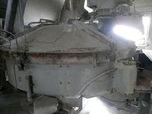 1983 PEMAT PM 50 concrete mixer