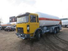 1986 MAN 26.240 gas truck