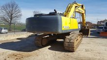 2009 HOLLAND E385B tracked exca