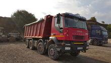 2006 IVECO Trakker 440 dump tru