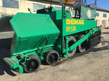 1993 DEMAG DF 120 wheel asphalt