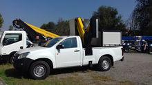 ISUZU 4X4 PICK UP bucket truck