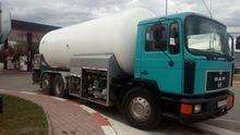 MAN 18.232 gas truck
