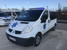 2013 RENAULT TRAFIC ambulance