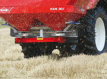 KUHN AXIS 30.1 fertiliser sprea