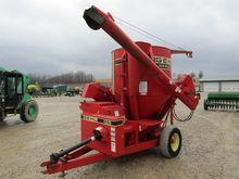 GEHL 125 feed mixer