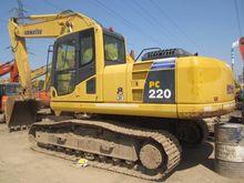 2011 KOMATSU Excavator PC220-8