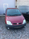2001 RENAULT Scenic for parts.