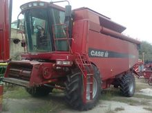 2002 CASE IH CF80 combine-harve