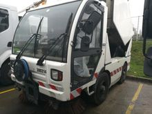 2005 MATHIS NA4M2 road sweeper