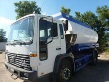 1999 VOLVO FL6 fuel truck
