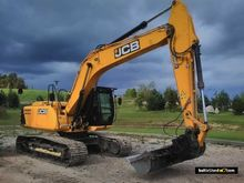 2014 JCB JS200LC tracked excava