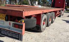 FRUEHAUF container chassis semi