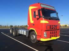 2008 VOLVO chassis truck