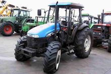 HOLLAND TD95D wheel tractor for