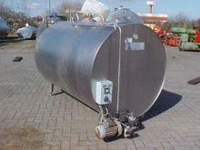 Milchkühltank 2000 L farm equip