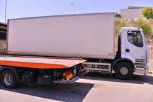 RENAULT closed box truck