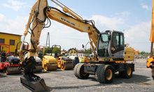 Used 2006 HOLLAND MH