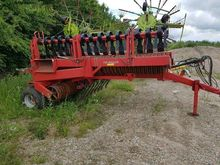 2008 HE-VA 950 field roller by
