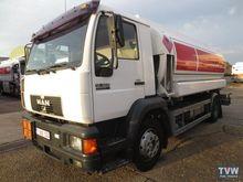 1997 MAN fuel truck