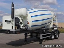 BT 220 concrete mixer semi-trai