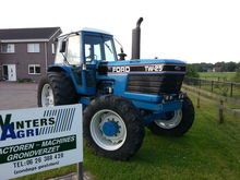 FORD TW 25 wheeled tractor