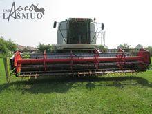 CLAAS Lexion 450 combine-harves