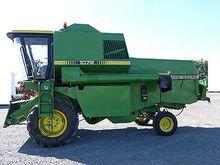 JOHN DEERE 1072 combine-harvest