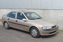 1998 OPEL Vectra passenger van