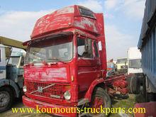 VOLVO F720 truck with engine Vo