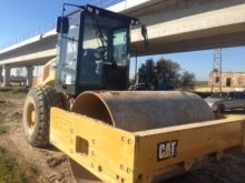 2015 CATERPILLAR CS64B single d