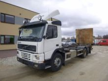 2002 VOLVO FM7 chassis truck