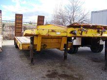 Low loader trailer