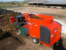 KUHN SPV self propelled feed mi
