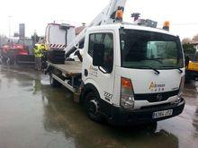 2009 NISSAN 35. 11 bucket truck