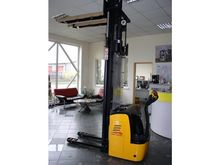 2014 AMB 15 pallet stacker for