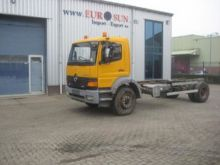 2001 MERCEDES-BENZ TRUCK Chassi
