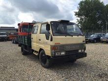 1994 TOYOTA Dyna flatbed truck