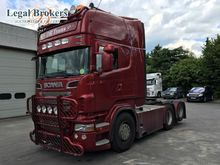 SCANIA R560 V8 tractor unit by
