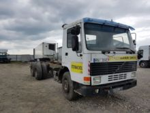 1987 VOLVO FL10 chassis truck