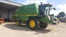 JOHN DEERE 2054 combine-harvest