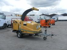 VERMEER BC150 wood chipper by a