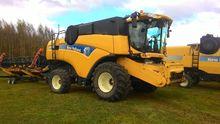 2008 HOLLAND CX8070 combine-har